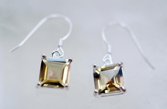 topaz-gemstone-jewellery